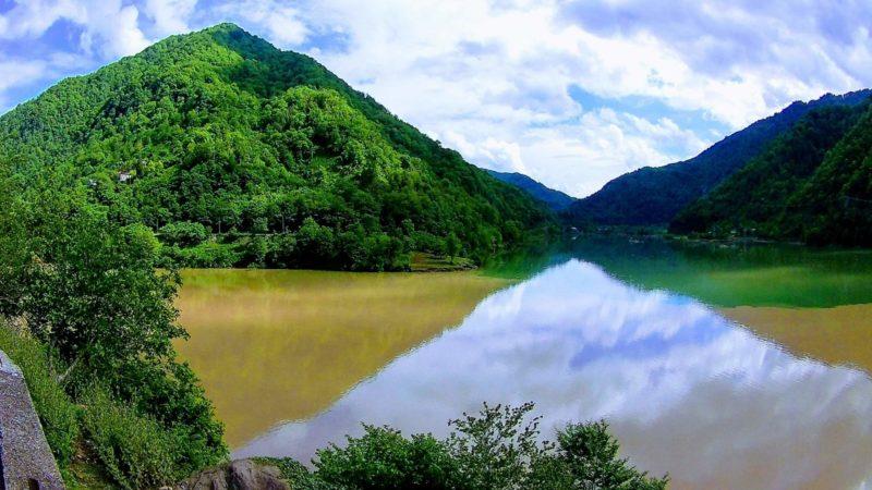 слияние двух рек грузия